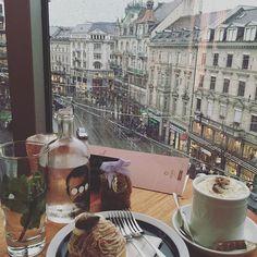 Rooftop Cafe at Modissa, Bahnhofstrasse, Zurich, Switzerland Shoppen in die straat à la pc hooft
