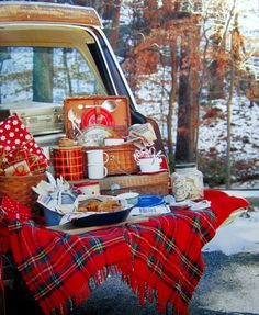 Christmas Tree Tailgate and Picnic Southern Living Christmas All Through the South | homeiswheretheboatis.net #novelbakers #recipes