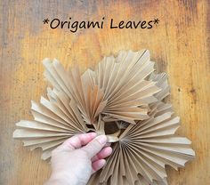 Diy Flowers, Fabric Flowers, Paper Flowers, Origami Leaves, Party Planning, Crafts For Kids, Illustration, Heart, Paper