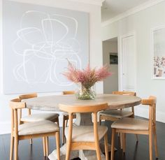 41 Best Interior European Style Ideas Everyone Should Keep - Home Decoration Experts Grey Floorboards, Pink Storage Boxes, Best Interior, Interior Design, Room Interior, Interior Styling, White Countertops, Dining Room Furniture, Dining Rooms