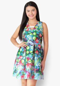 Been imagining a beautifully blooming dress on you? Make it real wearing this floral neoprene dress. You deserve to look fresh and enjoy that wonderful feeling! Designer Party Dresses, Casual Dresses, Summer Dresses, How To Make, How To Wear, That Look, Fresh, Floral, Beauty