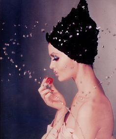 photographer  ~John Rawlings...  www.fashion.net