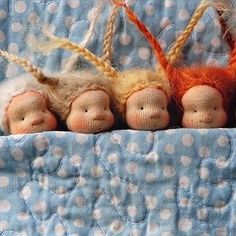 Little tiny doll brooches Waldorf Crafts, Waldorf Dolls, My Little Baby, Little Girls, Baby's First Doll, Dream Doll, Textiles, Tiny Dolls, Lalaloopsy