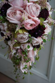 teardrop rose bouquet