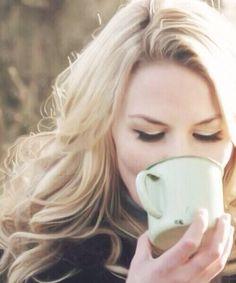 Jennifer Morrison. Lovely hair and eye makeup.
