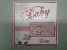 Babykaart gemaakt met materialen van Marianne design