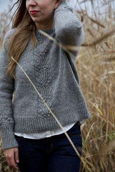 ravelry knitting Ravelry: Shimo Sweater pattern by Leeni Hoi Sweater Knitting Patterns, Knit Patterns, Hand Knitting, Loom Knitting, Stitch Patterns, Pullover Sweaters, Cardigans, Knit Crochet, Crochet Granny