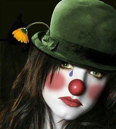"""Si """"j'amuse parfois la galerie"""", si j'essaye d'avoir de l'humour, c'est parfois pour mieux cacher mes peines....... Ne croyez pas toujours ce que vous voyez...... C'est vrai, Je """"fais souvent le clown""""...... Mais je suis un clown triste........."""