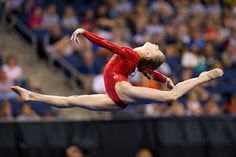 People often wonder about the marvelous, wonderful, and sometimes magical world of competitive gymnastics. This is the truth about competitive gymnastics. This article details the good, the bad, and everything in between. All About Gymnastics, Kids Gymnastics, Gymnastics Competition, Gymnastics Photos, Olympic Gymnastics, Black Girl Short Hairstyles, Cute Girls Hairstyles, School Hairstyles, Everyday Hairstyles