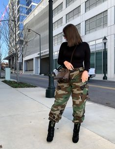 Stylish Outfits, Fashion Outfits, Women's Fashion, Trendy Girl, Camo Pants, Casual Chic, Chic Chic, Fall Winter Outfits, Thrifting