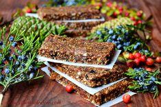 Batoane energizante cu fructe (raw-vegane) Granola Bars, Vegan Sweets, Raw Vegan, Healthy Eating, Desserts, Recipes, Food, Diet, Sweets