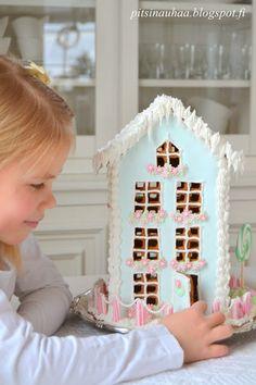 ❄☃ Sweet ❄☃❄ Gingerbread ☃❄ Hui, päivät kuluvat hurjaa vauhtia ja ennen kuin huomaatkaan ollaan joulussa. :)  Meillä täällä Pohjanmaalla on maa saanut valkean peit...