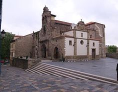 a iglesia de los Padres Franciscanos, es un templo de culto a la religión católica dedicado a San Antonio de Padua. Se encuentra en Avilés, Principado de Asturias