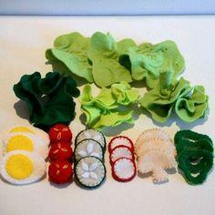 Felt Food Large Green Salad Children's Play Food by FeltFarmMarket Sewing For Kids, Diy For Kids, Crafts For Kids, Felt Diy, Felt Crafts, Felt Food Patterns, Pretend Food, Felt Play Food, Homemade Toys