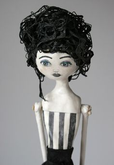 """Very """"Tim Burton-esque"""". Reminds me a lot of Helena Bonham Carter. A beautiful creation! Toy Art, Monster Dolls, Ceramic Figures, Paperclay, Recycled Art, Soft Sculpture, Fabric Dolls, Doll Face, Vintage Dolls"""