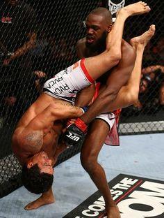 UFC 152 JOn jones e vitor belfort (Foto: Agência Getty Images)