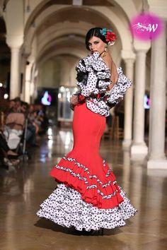 Madroñal - We Love Flamenco 2018 - Sevilla Costumes Around The World, Spanish Culture, Black White Red, Spanish Style, Our Love, Peplum Dress, Style Inspiration, Flamenco Dresses, Formal Dresses