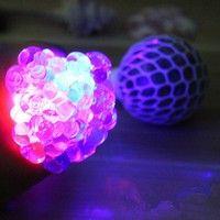 Kup si Flash Anti-Stress Squishy Mesh Ball Grape Squeeze Sensory Fruity Toys Novelty za Wish - Nakupování je zábava
