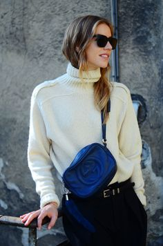 Style Hunter: Turtlenecks hate the bag, love the sweater...