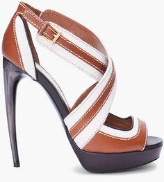 Stunning Women Shoes, Shoes Addict, Beautiful High Heels    Alexander McQueen