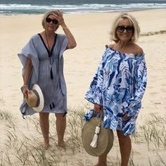 Always better together when you're up against the wind 💨 Linda & Leanne in the 'Love your Fabulous Self Collection ' Leanne wearing: Jenni Orchid Print Dress/Top -Size S Linda wearing: Beaches on Main Dress - Size S Have a lovely weekend! Fashion For Petite Women, Mature Fashion, Older Women Fashion, 60 Fashion, Over 50 Womens Fashion, Ankara Fashion, Fashion Hacks, Africa Fashion, Dress Fashion