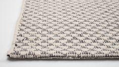 Détail Tapis Furrow | EQ3 Modern Furniture // 399$