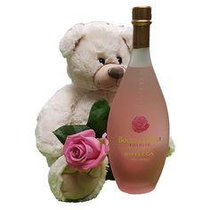 Quality Fruit Baskets. Beer 3  Knuffel 45 cm Grote witte knuffelbeer met roze roos en een heerlijke fles likeur Bocca di Rosa 0.5 L Deze beer is ongeveer 45cm heerlijk zacht en van een goede kwaliteit! Met deze beer maak je een verpletterende indruk