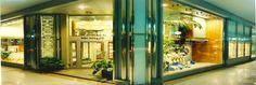 Ubicato nel centro storico di Legnano (Mi) e strutturato su 3 piani climatizzati, il negozio Mores nasce nel 1995 e diventa subito un punto di riferimento nella zona proponendo un ampio assortimento di prodotti per la casa e non solo.