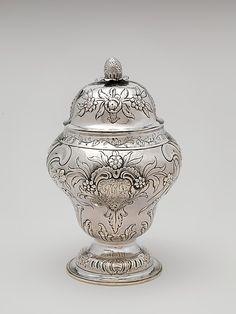 1772-1776 American (New York) Sugar bowl at the Metropolitan Museum of Art, New York