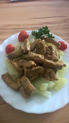 Wir essen gern Hähnchen, es ist vielseitig in der Küche zu verwenden. Heute frischen Kohlrabi dazu und so koche ich ein leckeres Abendessen.