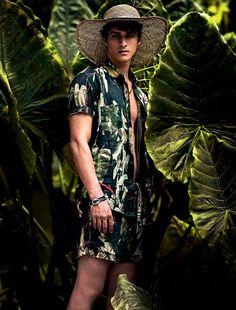 Estampas florais retornam com força à moda masculina
