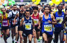 Maratona di Firenze 2016: tutto ciò che c'è da sapere e la gara live E' stato messo a punto il nuovo percorso della 33esima Firenze Marathon che ha come principale novità la nuova logistica di partenza e arrivo che coinvolgerà ancora più degli anni passati il centro s #maratona #firenzemarathon #corsa
