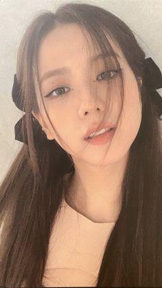 Blackpink Photos, Girl Photos, South Korean Girls, Korean Girl Groups, Jisoo Do Blackpink, Black Pink Kpop, Blackpink Members, Black And White Aesthetic, Jennie Lisa