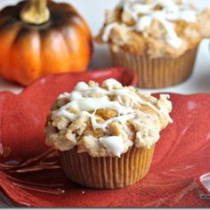 Pumpkin Muffins w Streusel & Cream Cheese Glaze #recipe | Justapinch.com