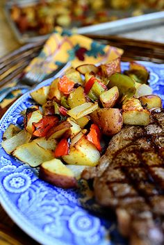 Breakfast Potatoes by Ree Drummond / The Pioneer Woman, via Flickr - This is very similar to a recipe that I make.  I want to try the trick at the end where you increase the heat to 500 and continue to cook.