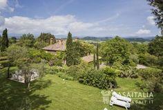 Casale in posizione collinare in vendita in Toscana