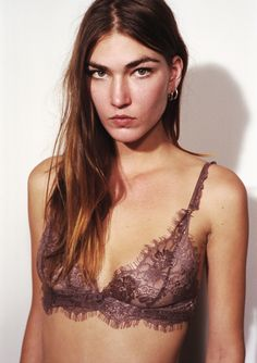 LonelyHeartsLable - Leavers Lace Softcup Bra.