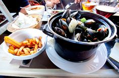 Mosselen friet, Mussels with fries. In Belgium!