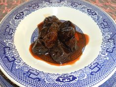 My sweet grandma used stewed prunes as a natural laxative, but my mom likes to eat them as a simple and healthy dessert because slow simmering softens and thickens dried plums into a sweet syrupy goodness. Healthier than taking Ex-lax. Healthy Eating Recipes, Baby Food Recipes, Healthy Snacks, Cooking Recipes, Healthy Carbs, Healthy Weight, Cooking Tips, Low Fiber Diet, Fiber Rich Foods