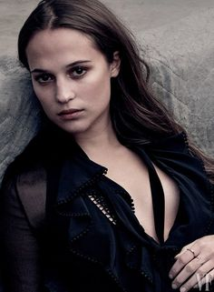 The 13 women of the Hollywood cover have made a combined 442 films. Alicia Vikander is responsible for 15 of them. Click the link in our bio for more on the women of the Hollywood Issue. Photograph by Annie Leibovitz. Alicia Vikander, Jennifer Lawrence, Hollywood, Annie Leibovitz Photography, The Danish Girl, Swedish Actresses, Viola Davis, Fierce Women, Ex Machina