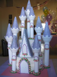 LOVE THE CASTLE WOW WHAT A CAKE