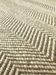 NEW Chevron flatweave rug - in natural / white