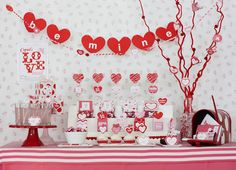 How-to Create a Valentines Day Candy Buffet