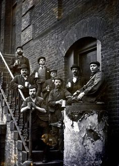 The rope makers of Stepney, 1900 (Spitalfields Life). Up until the late C, rope making was a major industry in London at the time of sailing ships with the very long ropes needed for their sails. Victorian London, Vintage London, London Pictures, London Photos, London History, British History, Vintage Photographs, Vintage Photos, Antique Photos