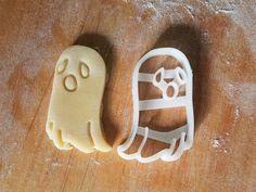 Ghost cookie cutter. Via en.DaWanda.com.