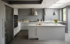 Harvey Jones Linear kitchen, painted in Dulux 'Steel Grey 3'