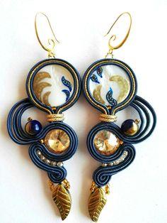 Diy Jewelry, Jewelery, Jewelry Making, Unique Jewelry, Shibori, Soutache Earrings, Drop Earrings, Trending Outfits, Handmade Gifts