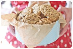 Oat and Sultana Cookies: I have to start this post by declaring that these are the most delicious cookies I have ever baked. Phew, that& it out there! Oat Cookies, Delicious Cookies, Dinner Recipes, Lunch, Snacks, Baking, Breakfast, Cake, Sweet