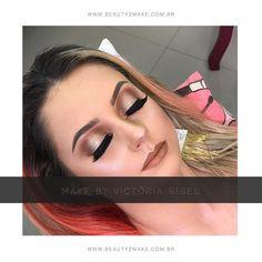 Make do dia pela querida e talentosa: @victoria.gigel  Make feita no dia de curso com a prof @taisguerinimakeup  http://ift.tt/2qZyhCw  Enviamos para todo o Brasil ou retire pessoalmente em Curitiba!  #beauty2make #anastasiabeverlyhills #kryolan #urbandecay#urbandecaybrasil #makeup #maquiagem #makeupforever #instamakeup #anastasiabeverlyhills #antesedepois #beforeandafter #wakeupandmakeup #bridalmakeup #cutcrease #esfumado #pausaparafeminices #lehpequenomakeup #maquiagembrasil #maccosmetics…