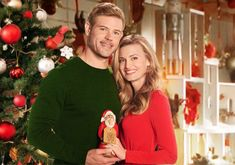 Reese's Peanut Butter Cupcakes Recipe! Hallmark Movies, Old Fashioned Christmas Candy, New York Times, Creamy Spinach Roll Ups Recipe, Homemade Ant Killer, Trevor Donovan, Thanksgiving Snacks, Halloween Treats For Kids, Deserts